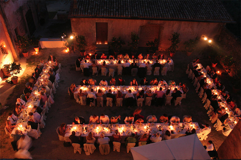 Beautiful dusk reception taking place under the stars